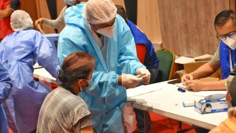 Personas vacunadas contra el COVID-19 en el Tolima han adquirido el virus: ¿por qué?