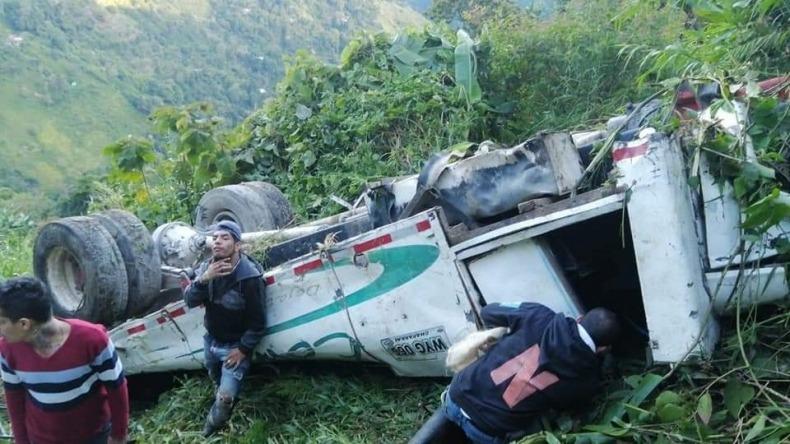 Grave accidente en Chaparral deja más de 20 personas heridas y otras cuatro fallecidas