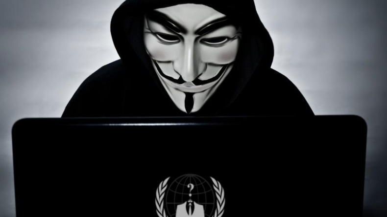 Anonymous tumbó la página web del Ejército colombiano y reveló contraseñas de los altos mandos