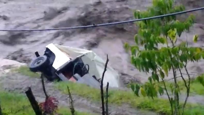 Emergencia en el Cañón del Combeima: casas destruidas, personas evacuadas y árboles caídos por fuertes lluvias
