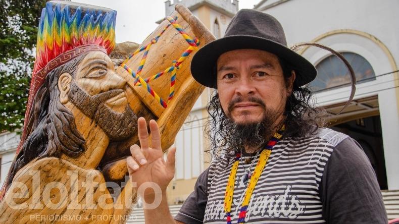 Aníbal Bedoya: el hombre que convirtió un árbol talado en una obra de arte para Ibagué