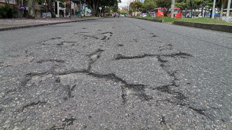 Denuncian deterioro en tramo de la carrera Quinta de Ibagué que podría provocar accidentes