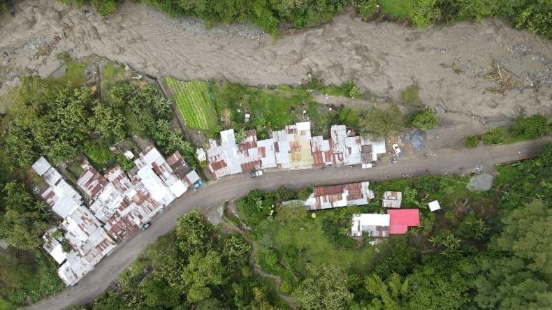 Más de 100 familias afectadas, 50 casas destruidas y 60 en riesgo, dejó la creciente del río Combeima