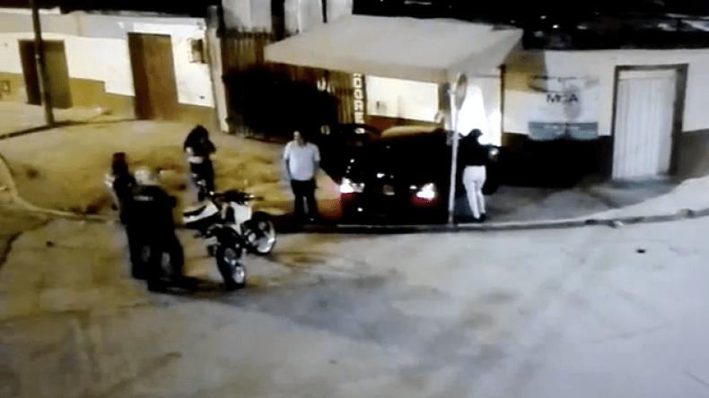 Conductor aparentemente ebrio chocó su vehículo contra una casa en la Vuelta del Chivo