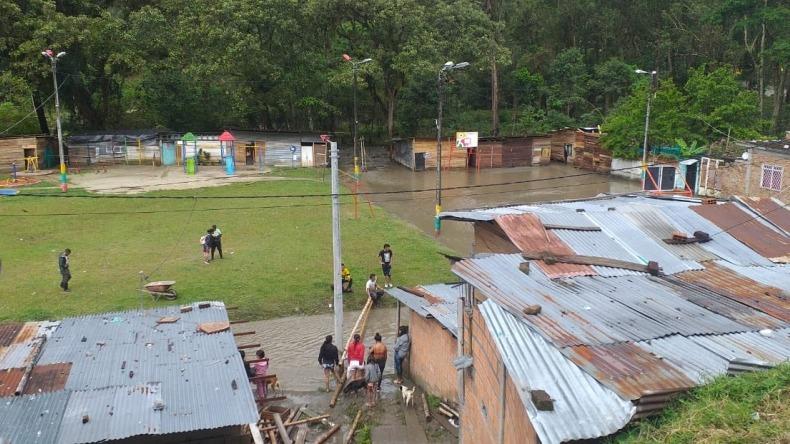 ¡El colmo! Delincuentes intentaron saquear viviendas en sectores afectados por avalancha del Combeima
