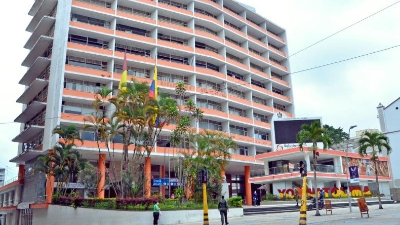 Contrato para transporte de funcionarios de la Gobernación del Tolima en 2015 fue ilegal