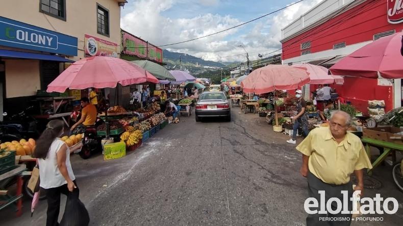 Denuncian que la plaza de la 14 de Ibagué se ha convertido en un 'mercado persa'