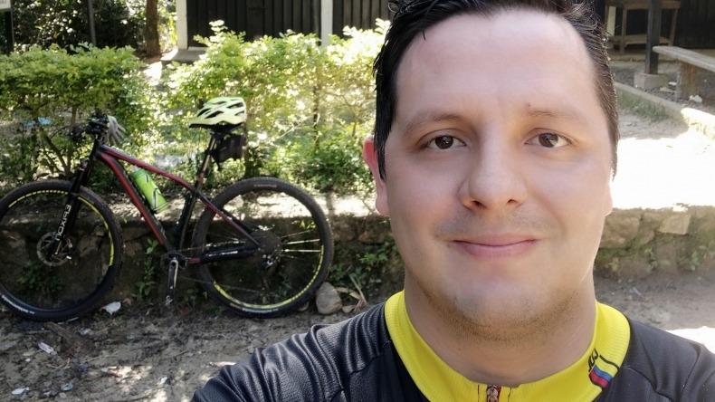 Ciclista atropellado por inspector de policía ebrio aún no es operado por supuesta negligencia de Salud Total
