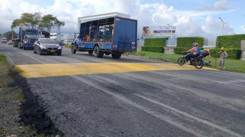 Instalan reductores de velocidad frente a Clinaltec