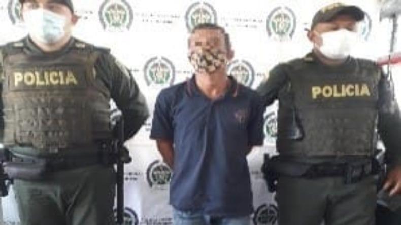 Con destornillador en mano sujeto robó a una mujer en Ibagué