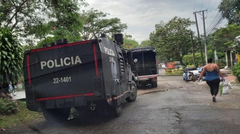 Autoridades realizan desalojo de la invasión del cerro la 'Mulita' en la comuna seis de Ibagué