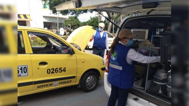 Más de la mitad de los vehículos se rajaron en pruebas de emisión de gases durante el día sin carro y moto en Ibagué