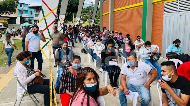 Más de 1.000 personas asistieron a la vacunación contra el COVID-19 en el estadio Murillo Toro