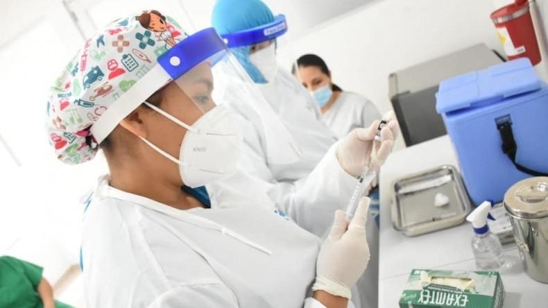 Personas con hipertensión arterial están priorizadas en el Plan Nacional de Vacunación