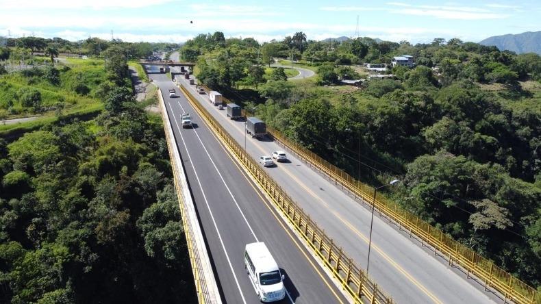 Entraron en funcionamiento 7.5 kilómetros de la doble calzada Ibagué - Cajamarca