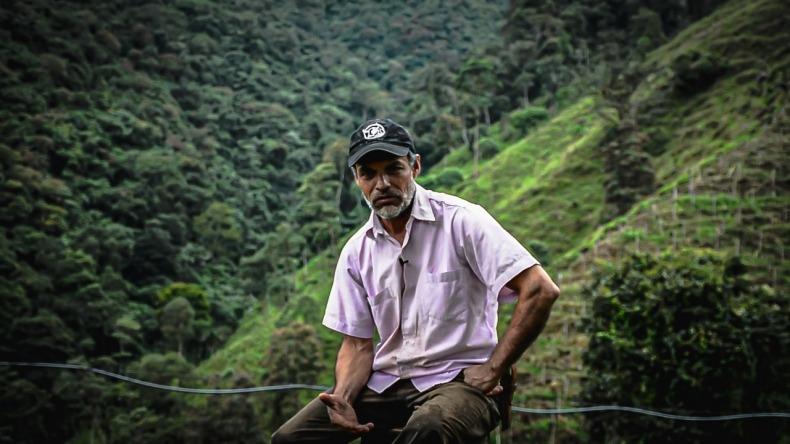 El comerciante de Chaparral que asumió el cuidado del Águila Real de Montaña