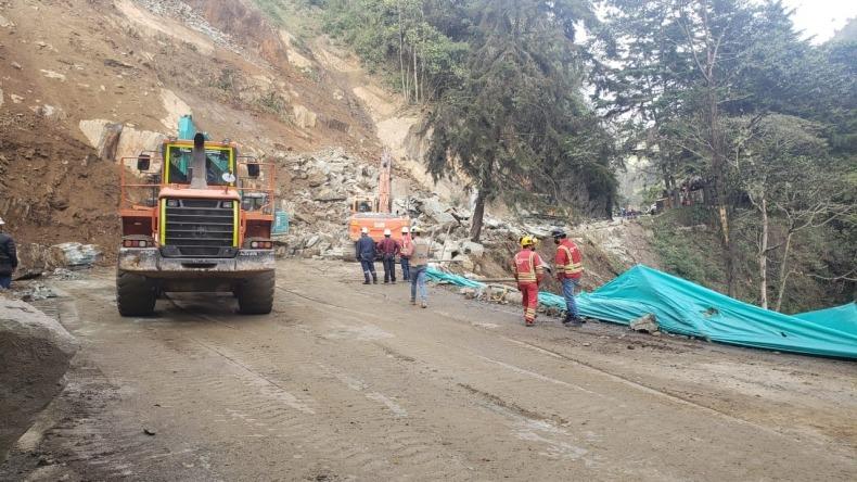 Derrumbe ocasionó cierre total de la vía Calarcá-Cajamarca