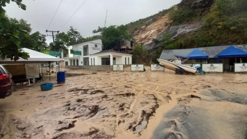 Deslizamiento produjo cierre parcial del parqueadero de la represa de Prado