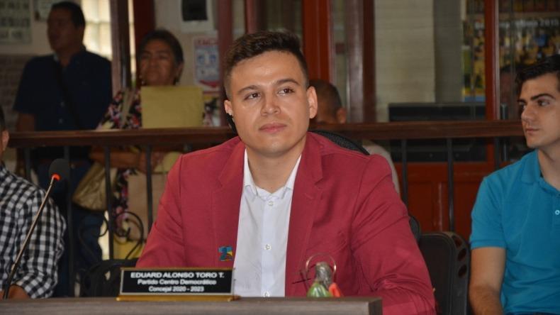 Concejal Toro le dice al gerente de la Gestora Urbana que no lo crea tonto ni 'caído del zarzo'