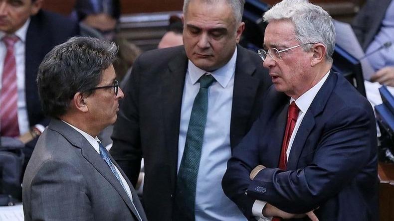 Uribe insiste a Minhacienda reducir artículos de la reforma tributaria para que sea menos agresiva