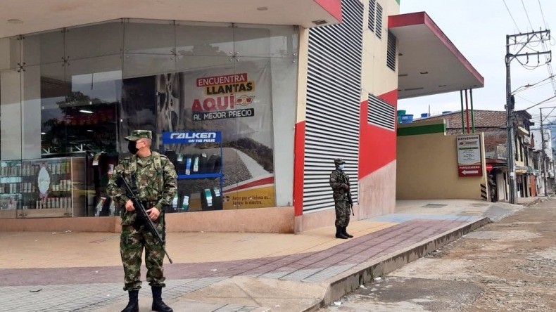 Militarizan las calles de Ibagué
