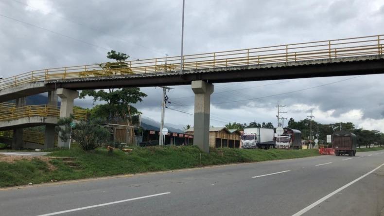 Cierres en vía Bogotá - Girardot