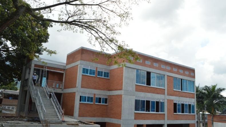 Obras de la institución educativa Celmira Huertas tienen un 81 % de avance