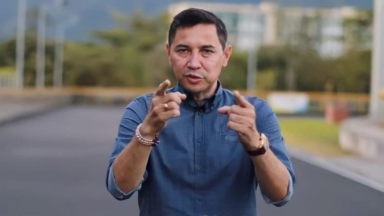 Hurtado ofrece a través de sus redes sociales empleos para jóvenes sin palanca política