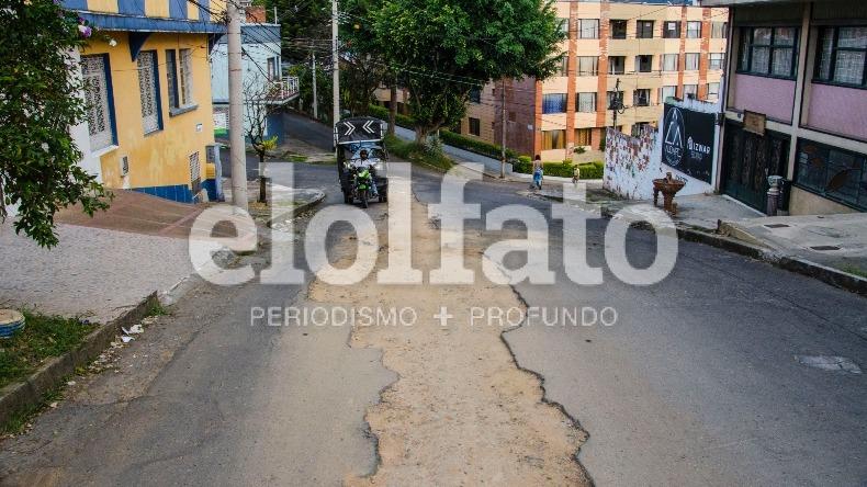 Otra vía fue intervenida pero no pavimentada en Ibagué y los residentes denuncian su deterioro