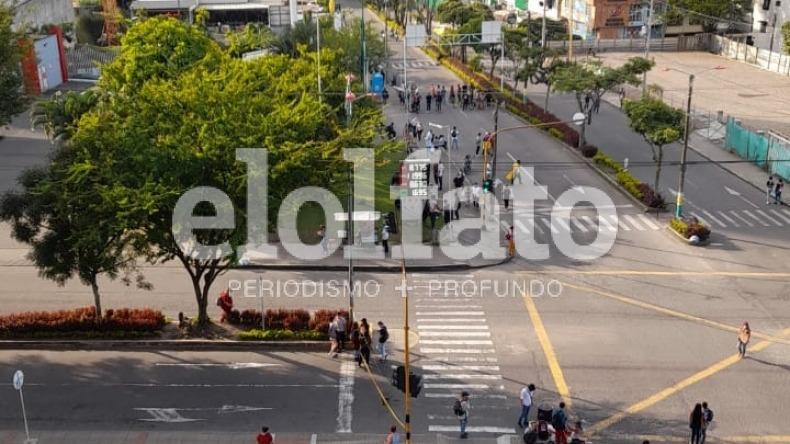 Vuelven y bloquean la calle 60 con avenida Guabinal de Ibagué