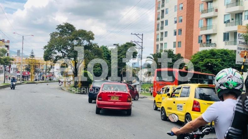 Continúan los bloqueos en la calle 60 con carrera Quinta en Ibagué