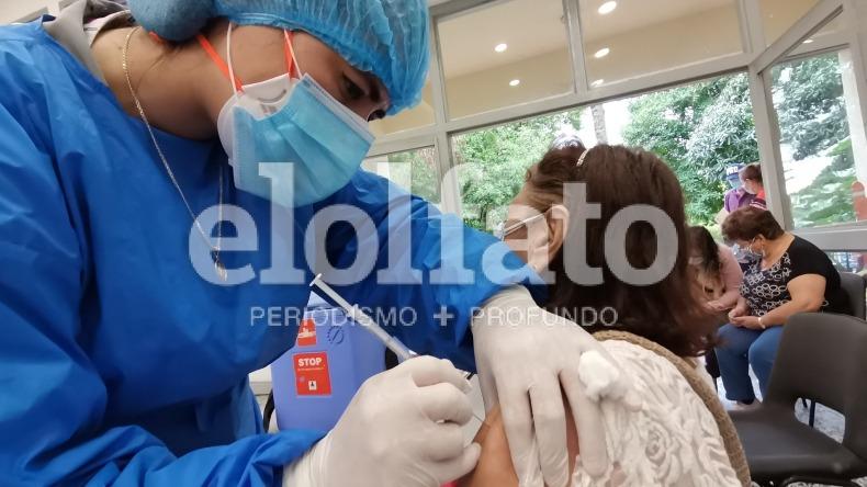 Punto de vacunación de la U. de Ibagué vuelve a inmunizar mayores de 65 años, pero con agendamiento
