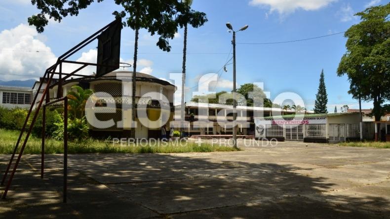 El colegio Darío Echandía de Ibagué se cae por pedazos, denuncian padres de familia