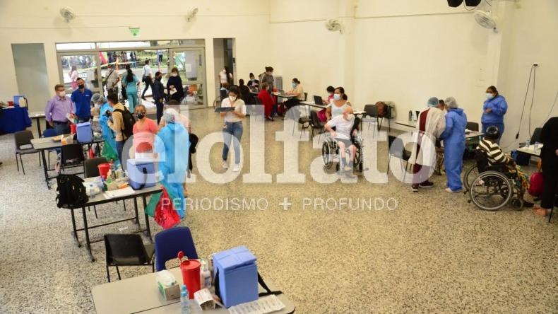 Punto de vacunación de la Universidad de Ibagué estará habilitado hasta las 3:00 de la tarde