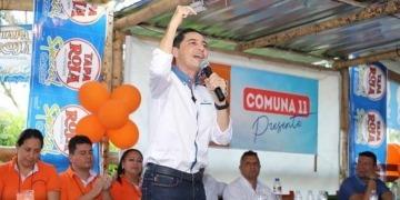 Aparición de publicidad de Tapa Roja en evento político de Andrés Fabián Hurtado provocó acciones de la Procuraduría