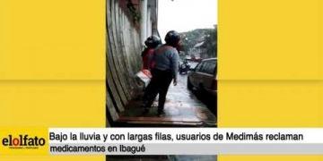 Embedded thumbnail for Bajo la lluvia y soportando largas filas, usuarios de Medimás reclaman medicamentos en Ibagué