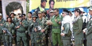 Embedded thumbnail for Iván Márquez, Jesús Santrich y 'El Paisa' anunciaron la creación de una nueva guerrilla armada