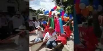 Embedded thumbnail for Cientos de personas salieron a las calles de Natagaima a celebrar San Juan en plena pandemia