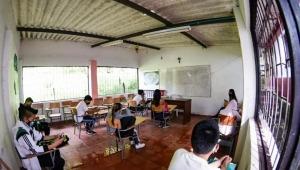 Secretaría de Educación le pide a rectores de colegios públicos que alisten todo para regresar a las aulas