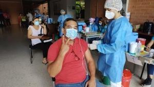 Más de 3.000 personas se han vacunado contra el COVID-19 en la U. Cooperativa de Ibagué