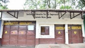 Despido masivo de trabajadores contratados por GMP Ingenieros para adelantar obras en colegios de Ibagué