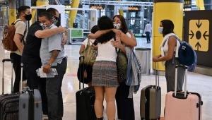 España pone fin a restricción de viajeros colombianos
