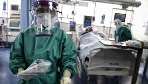 Asociaciones médicas piden aplazar reapertura económica por aumento de casos de COVID-19