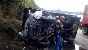 Cierre temporal de la vía Ibagué - Cajamarca por accidente múltiple