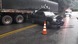 Dos vehículos involucrados en un choque en la vía Calarcá - Ibagué