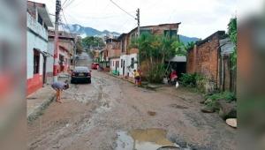 Habitantes del barrio El Triunfo en Ibagué denuncian que con cada lluvia fuerte se inundan sus viviendas
