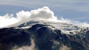 Prevén emisiones de ceniza del Volcán Nevado del Ruíz en el norte del Tolima