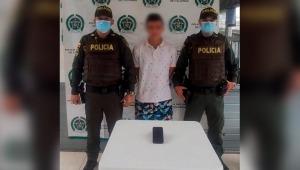 Joven fue capturado en flagrancia cuando rapó un celular en un semáforo de Ibagué