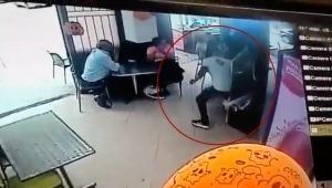 En video quedó registrado un 'raponazo' en el barrio Varsovia de Ibagué