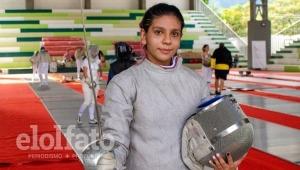 Con solo 16 años, una deportista de Ibagué representará a Colombia en torneo suramericano de esgrima